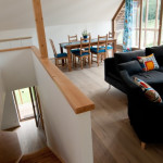 Chalupy k pronájmu na Šumavě - obývací pokoj a jídelní kout